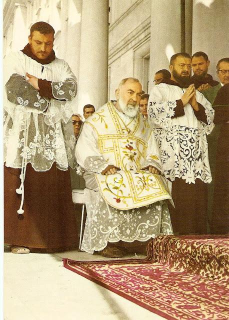 Adoradores Católicos: Frases del Santo Padre Pío de Pietrelcina