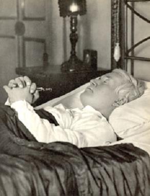 San-Pio-X-en-su-lecho-de-muerte