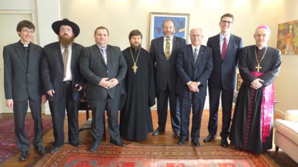 2013-03-18-Mgr-Schneider-rencontre-des-chefs-religieux-au-Kazakhstan