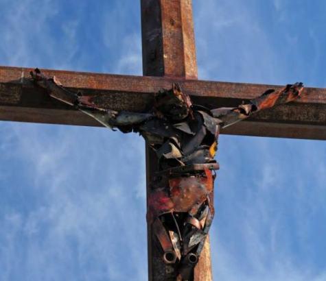 Crucifijo modernista (1)