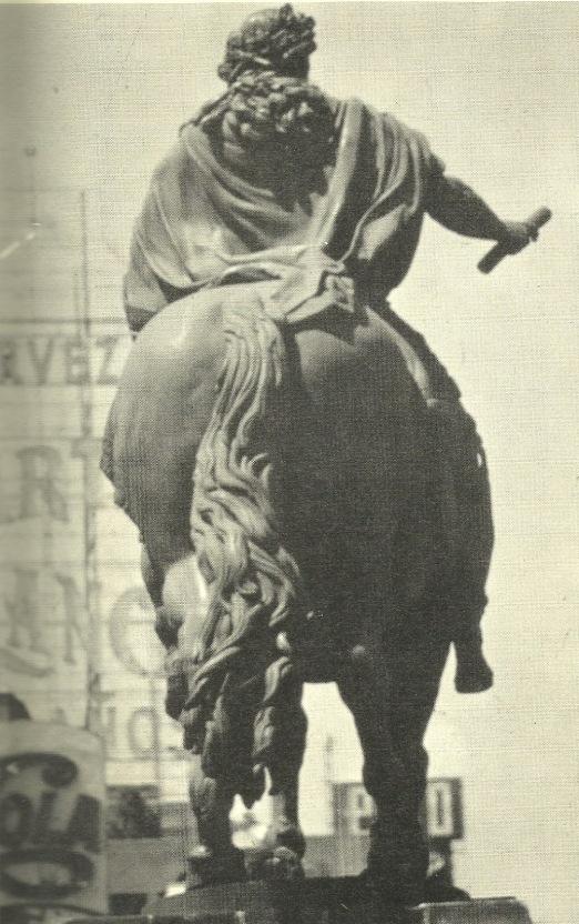 ESTATUA DE CARLOS IV, detalle posterior
